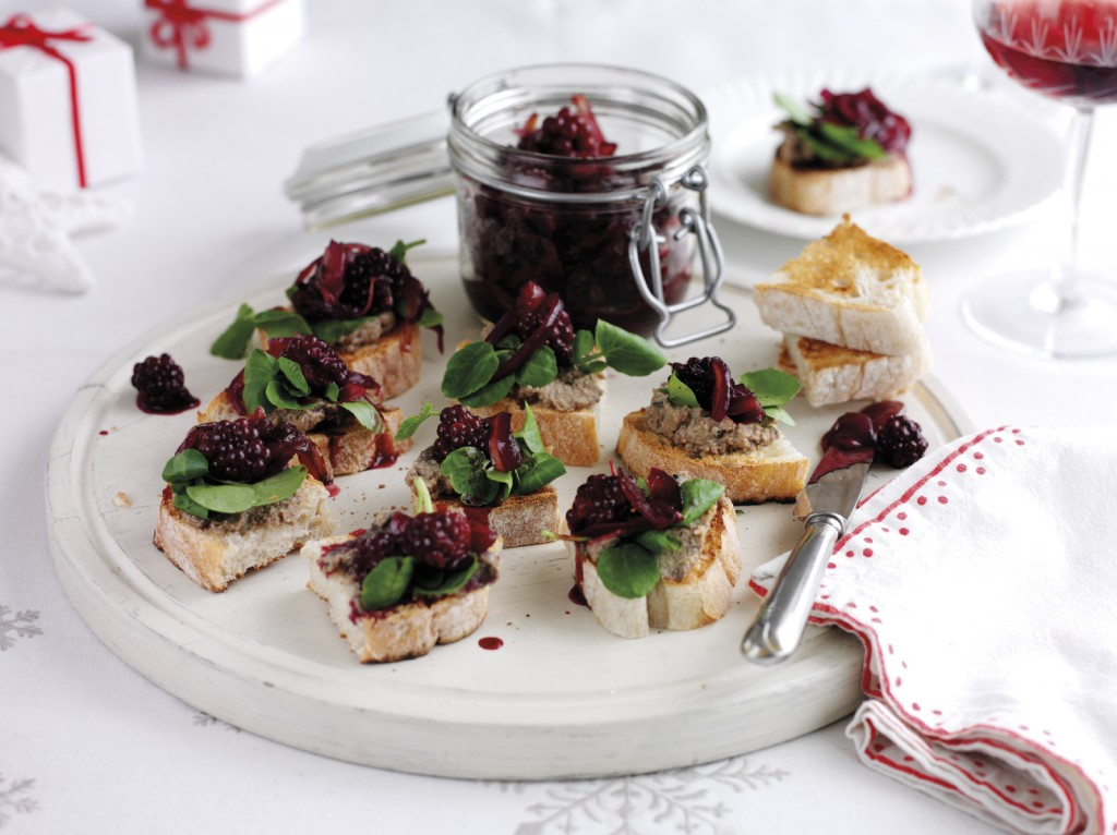 Chicken Liver PÉtÇ with Blackberry Chutney