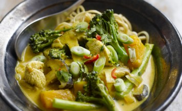 Levi Roots' Tenderstem, Cashew And Tofu Stir Fry