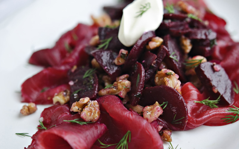 smoked salmon with beetroot