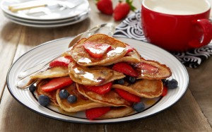 Strawberry, Blueberry and Cinnamon Mini Pancakes