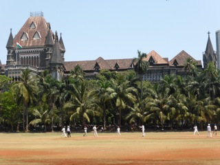 Mumbai, cricket practice in front of the city's university