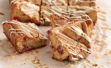 White-chocolate-and-raspberry-blondies-1
