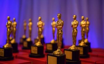 Elegant Golden Prizes