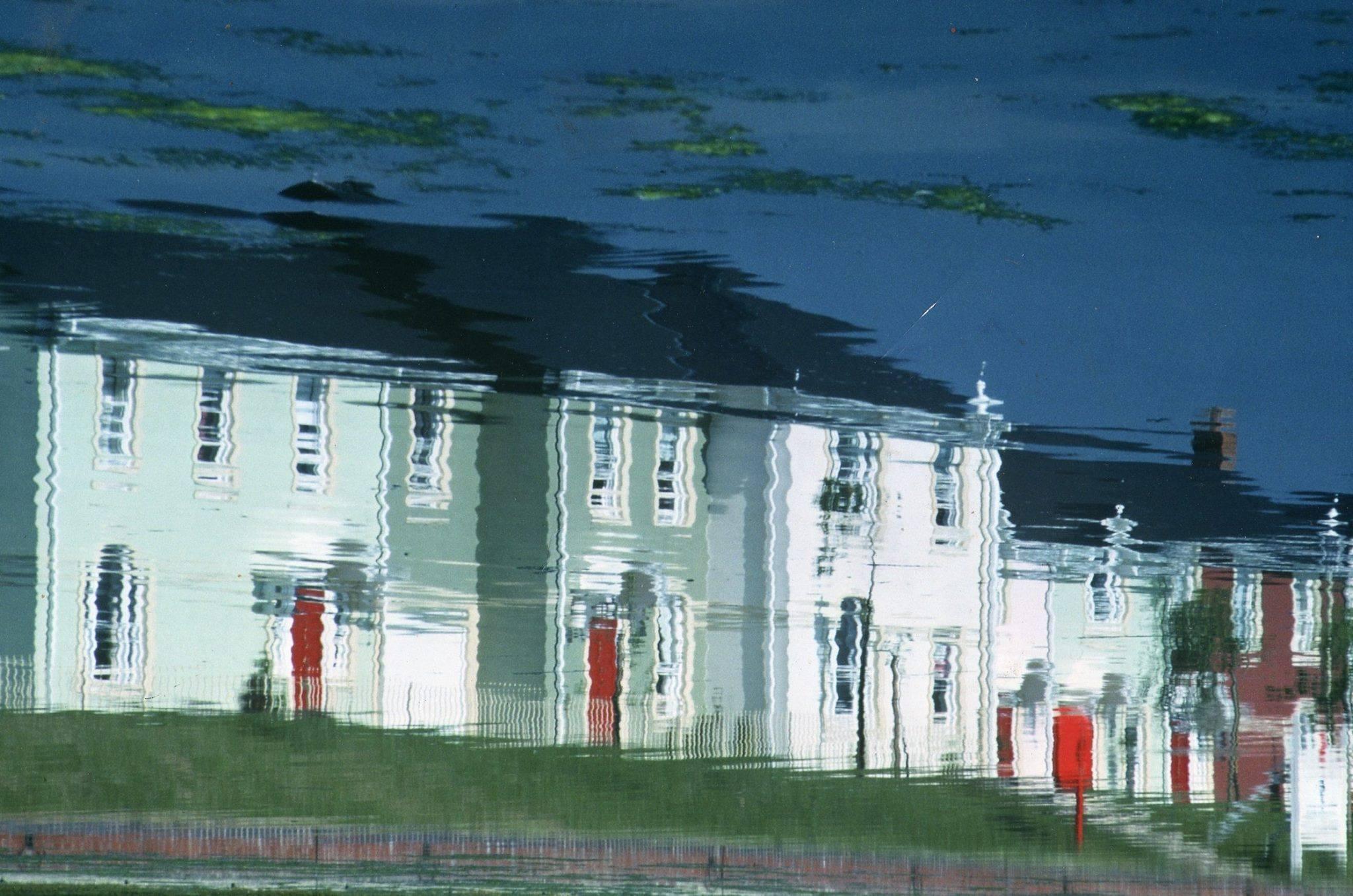 Watermead Lake, Aylesbury by Roy Adams