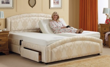 electric-adjustable-beds-HazelBed_OakTree