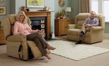 reclining-chairs-OakChair_OakTree