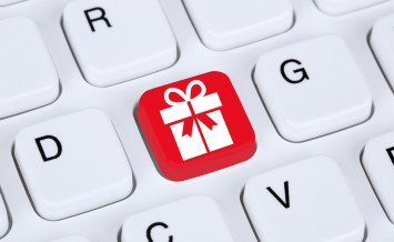 Gifts online shopping ordering internet e-commerce shop concept