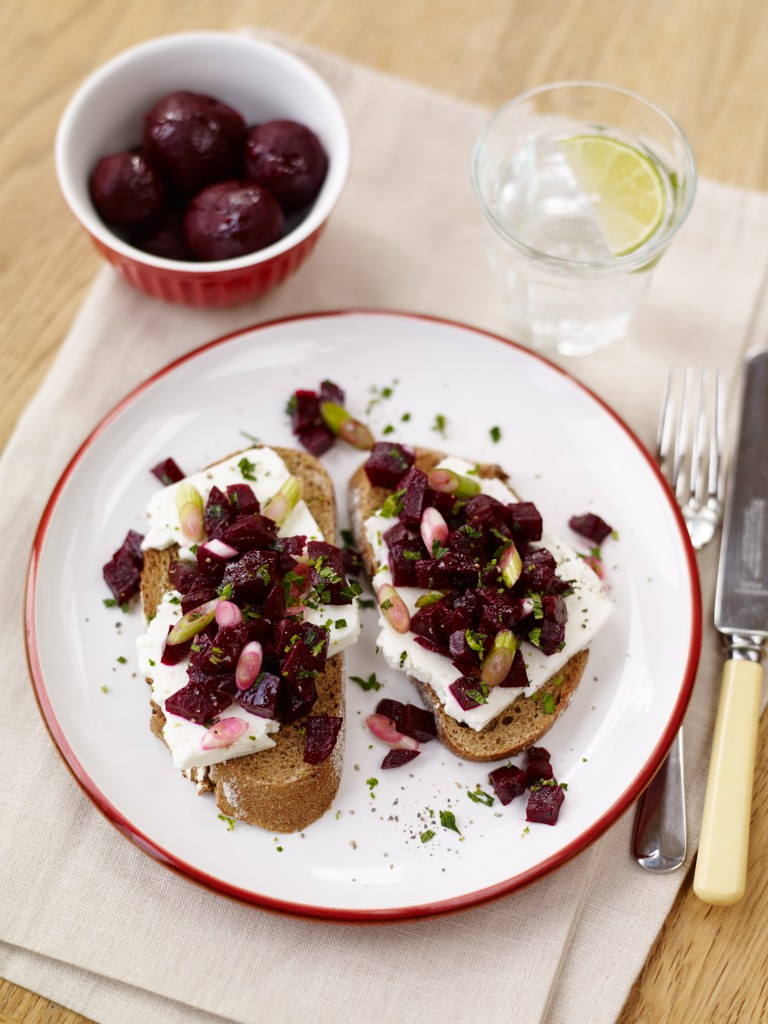 Juniperberry & Blackpepper Infused Beetroot Salad with Feta on Rye Toast