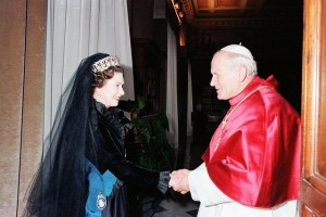 17 October – The Queen makes history with a state visit to the Vatican – she is the first British monarch ever to do so.