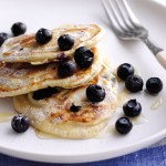 Spelt-and-vanilla-blueberry-pancakes-with-Agave-syrup