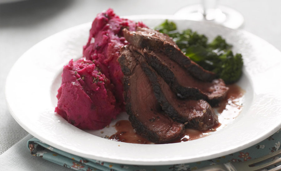 sweet-chilli-beetroot-and-potato-mash-served-with-steak