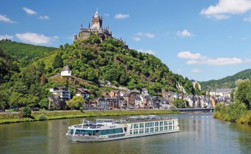 Germany, Deutschland, Rhineland-Palatinate, Rheinland-Pfalz, Trechtingshausen, Rhine, Central Europe, Rhine valley, View of Burg Rheinstein castle between Bingen and Bacharach villages