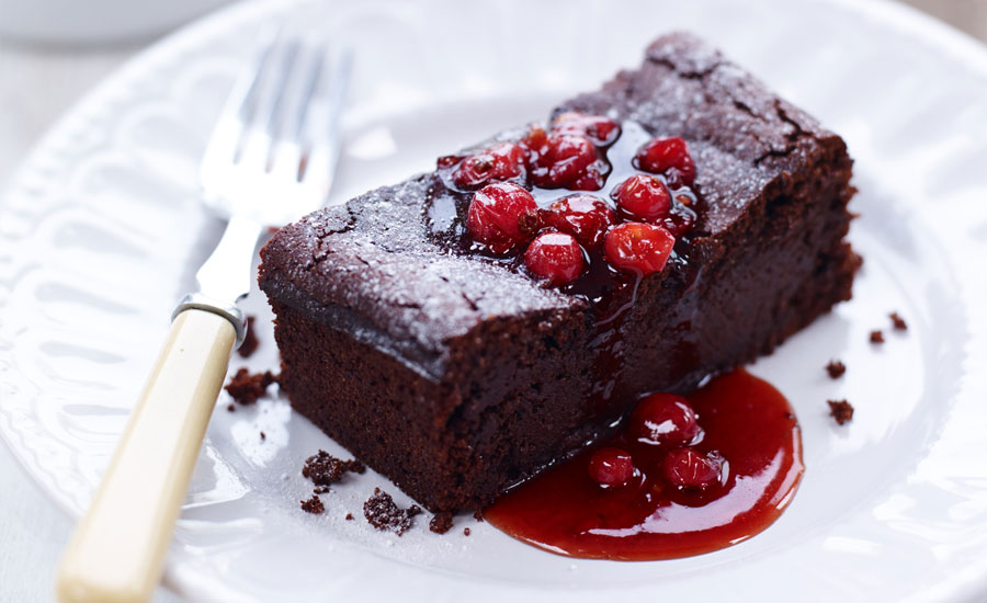 Sticky-Chocolate-and-BerryWorld-Redcurrant-Slice-(3)