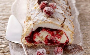 berryworld-cranberry-meringue-roulade-with-cointreau-orange-cream-(2)