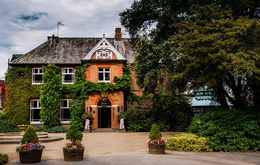Escape to ardencote manor silversurfers for Hotels near warwick castle with swimming pool